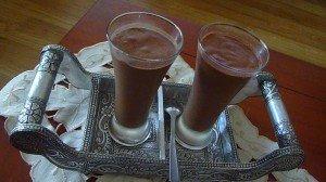 Mousse au chocolat noir dans patisserie,desserts Photo05-010-300x168